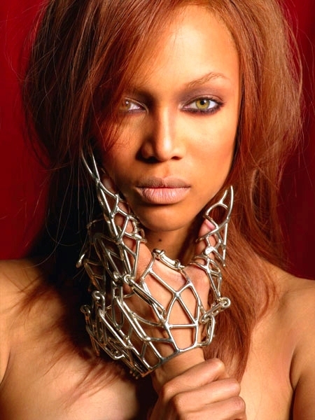 tyra banks modeling poses. be the model in Tyra Banks